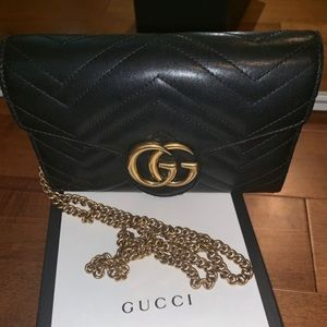 Gucci Marmont Wallet On A Chain (Black & Gold)